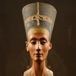 El busto de Nefertiti, exposición en Berlín