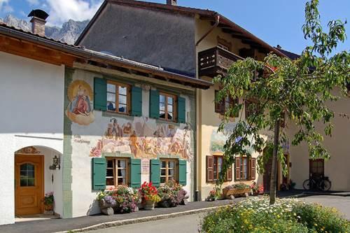 Mittenwald y sus casas decoradas con frescos - Ver casas decoradas por dentro ...
