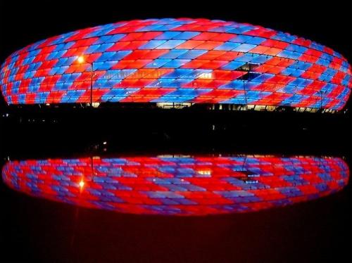Allianz Arena en la noche