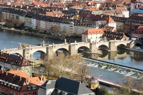 Alte Mainbrucke en Wurzburgo