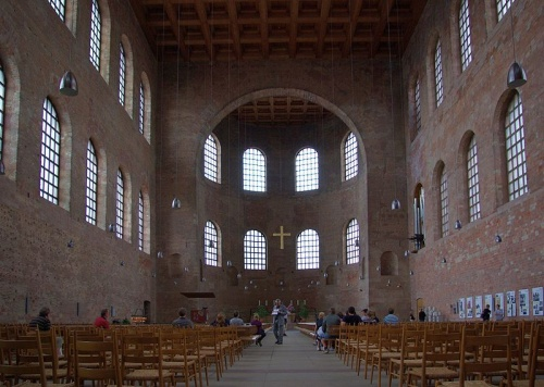 Interior de la Basilica de Treveris