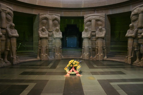 Interior del monumento de la batalla de las naciones