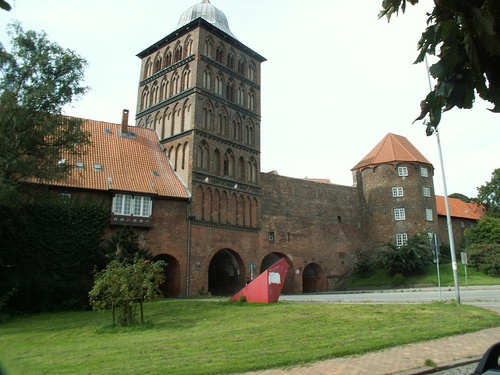 Burgtor o la puerta del Castillo