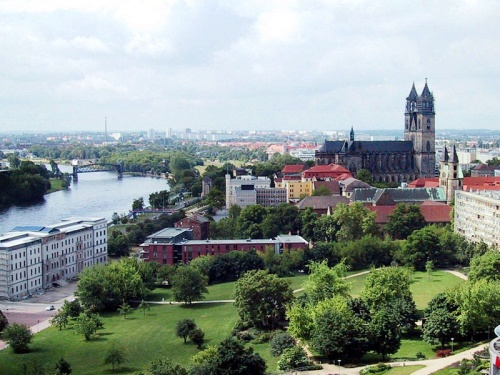 Vista de Magdeburgo con la Catedral