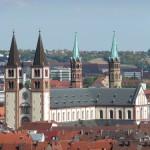 Catedral de Wurzburgo domina el horizonte
