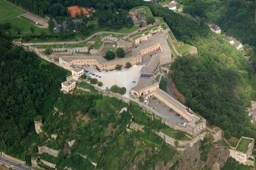 Fortaleza De Ehrenbreitstein En Coblenza