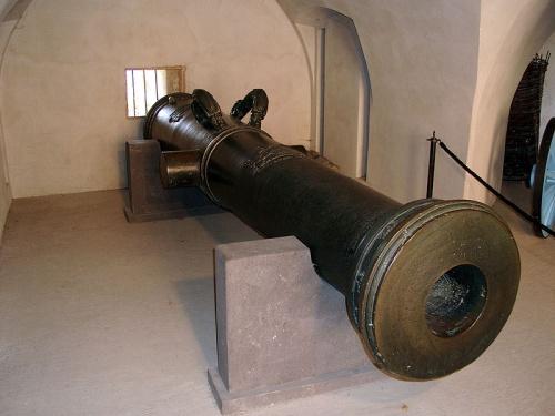 Vogel Greif en la Fortaleza de Ehrenbreitstein