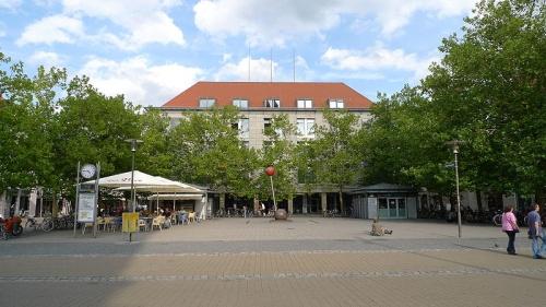 Hugenotenplatz en Erlangen