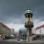 Mercado antiguo y su jinete en Magdeburgo
